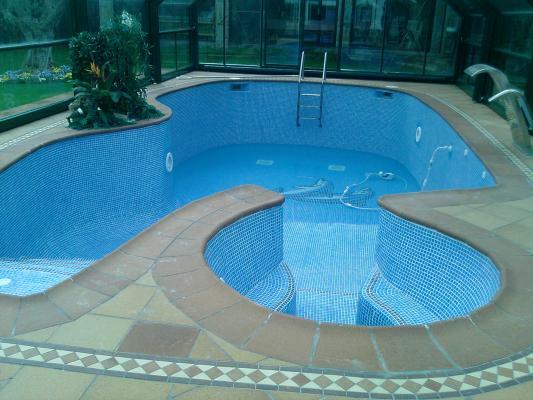 Mantenimiento y construccion de piscinas en madrid y toledo for Construccion de piscinas en toledo